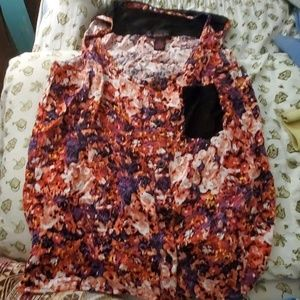 (3 for $10) Floral style tanktop
